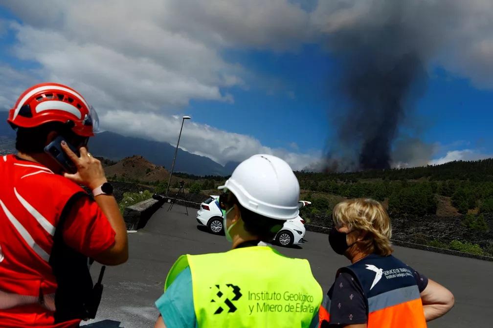 Vulcão nas Ilhas Canárias entra em erupção; este que poderia provocar tsunami no Brasil