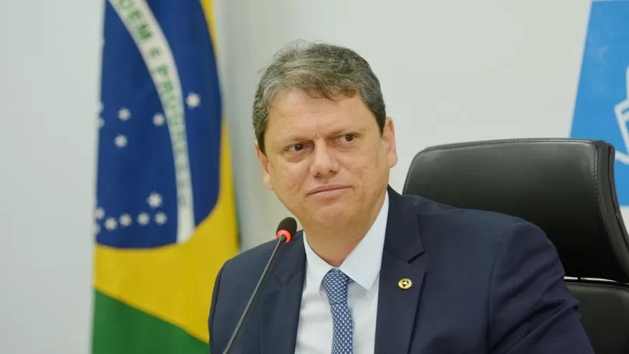Tarcísio Freitas vai para EUA, Europa e Oriente Médio 'vender' os leilões do governo